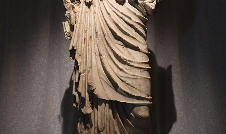 Statua della Minerva Hygeia