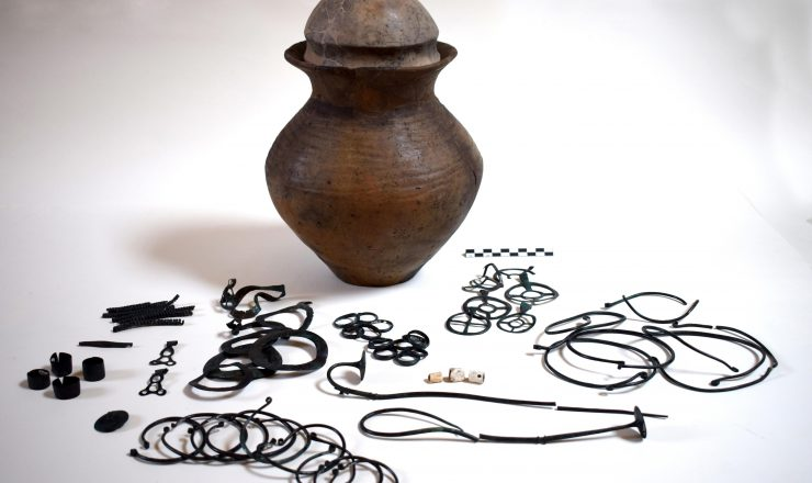 Male objects from Gambolò
